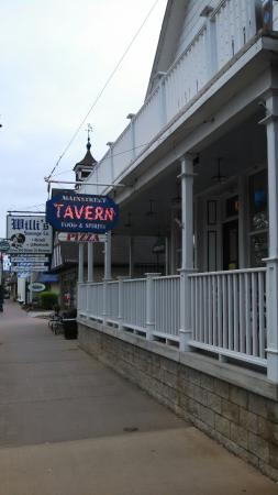 Main Street Tavern & Pizza
