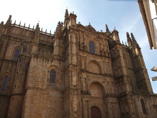 Catedral de Plasencia: Fachada exterior