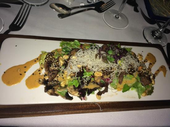 Holetown, บาร์เบโดส: The Tides - Asian Beef Salad