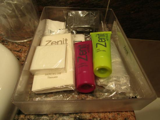 Zenit Dos Infantas: Complementos de higiene en el cuarto de baño