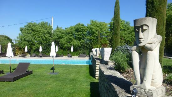 La piscine photo de le mas des carassins hotel saint - Piscine saint remy les chevreuses ...