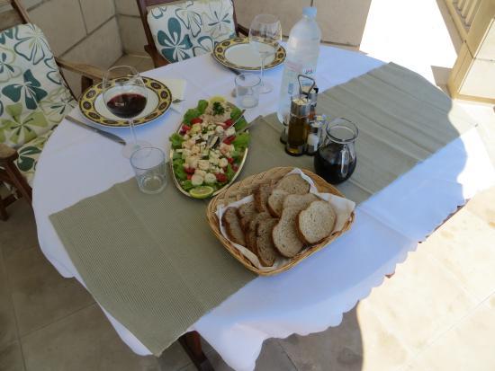 Captain's Villa Sokol : marvelous octopus salad @ villa Sokol