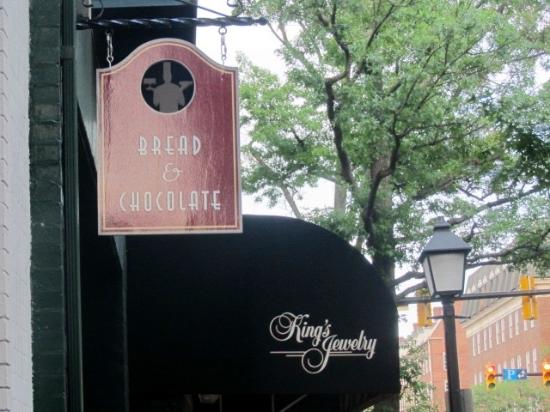 Bread & Chocolate: Bread and Chocolate Sign