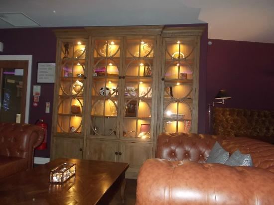 Blackpool FC Hotel: Trophy Cabinet In The Restaurant