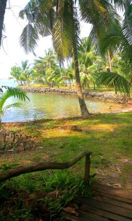 Bailan Beach : В тени зелени