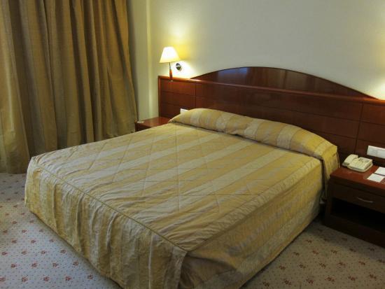 فندق أفريكا: Кровать