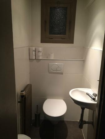Central: WC compartido del último piso