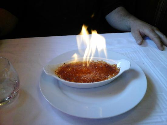 Le Bistro Melrose : THE crème brulée!