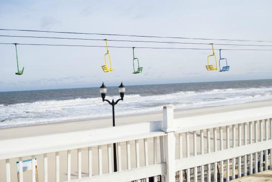 Boardwalk Hotel Charlee & Beach House Rentals: Awesome View from the Hotel Deck!