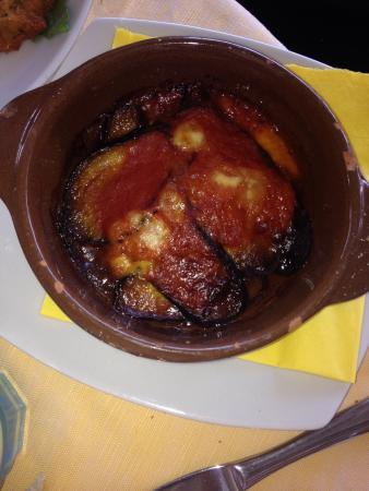 Antipasti primo frittura di pesce misto picture of la cucina birichina quarto tripadvisor - Cucina birichina quarto ...