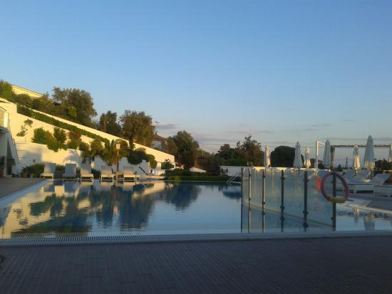 Skiathos Premier Hotel: View of pool from bar/lounge