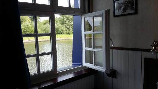 De Barge Hotel: Camera vista canale