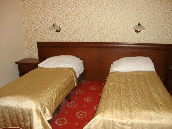 Hotel Arkadia Royal: Кровати в номере
