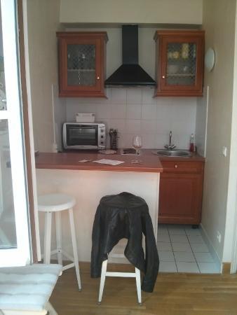 Bed and Breakfast Delareynie : Rue Du Temple (St Merri Studio) kitchenette