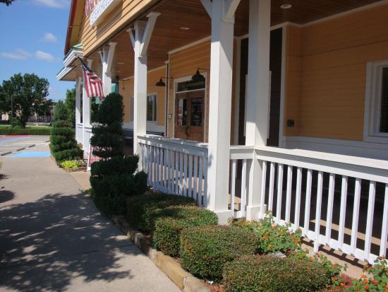 Outback Steakhouse: Front Entrance