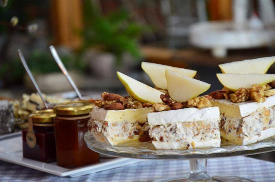 Brietårta med honung och nötter