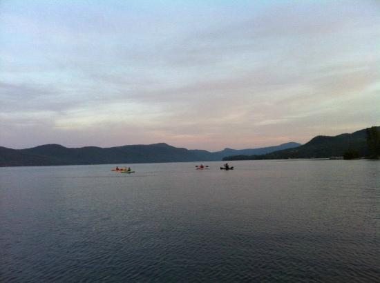 Trout House Village Resort : Kayaks at dusk, Trout House Village