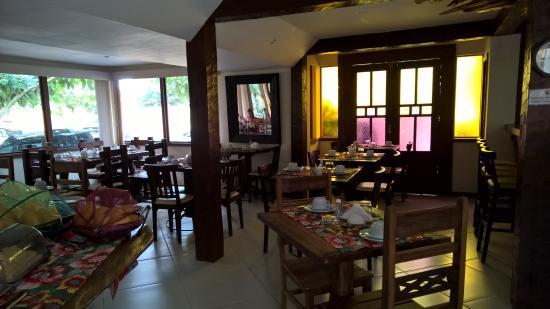 بوزادا ألفوريا: Ambiente do café da manhã que pode se transformar em sala de reuniões.