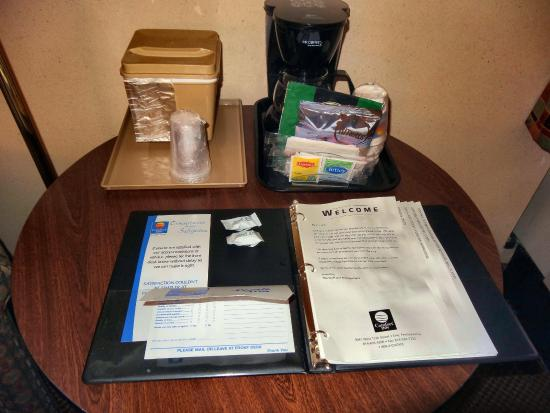 Comfort Inn : The coffee set up