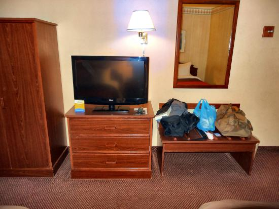 Comfort Inn: The room