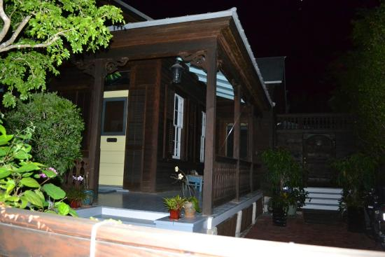 Key West Conch Ghost Tours: Richard Burton's dad's house