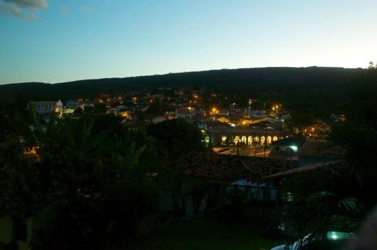 Pousada Raio de Sol: Vista noturna de Lençóis a partir do quarto da pousada.