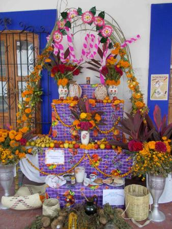 Casa Linda: An altar at one of the places we visited