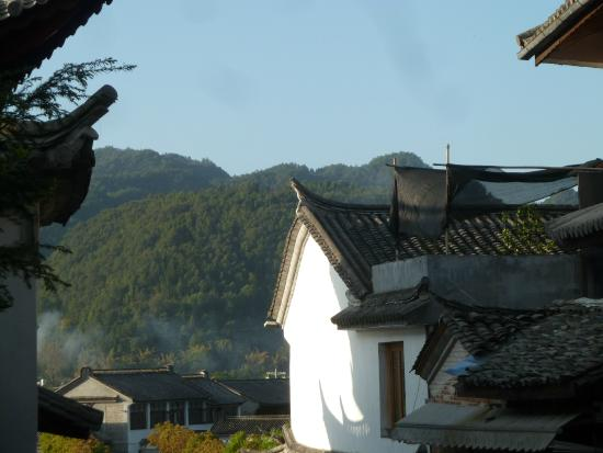 Heshun Hometown: mountain view from a street