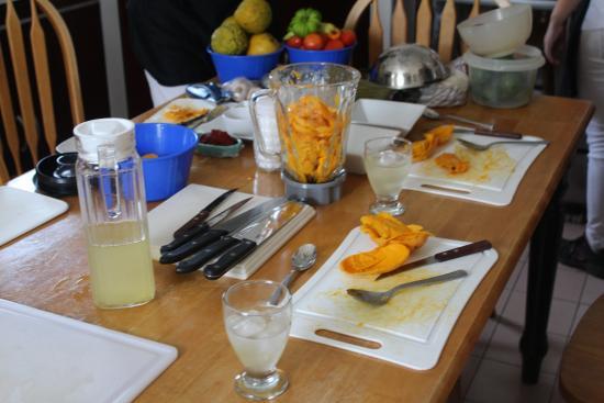 Casa Casellas: Making Mango Pudding!