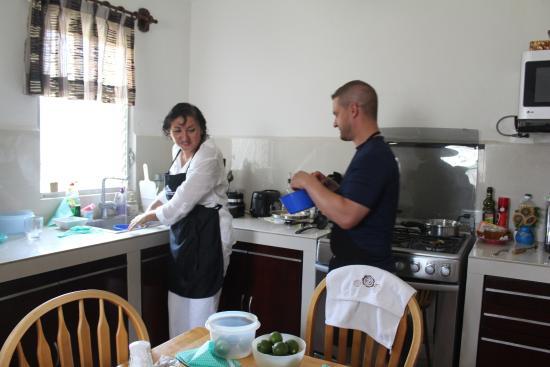 Casa Casellas: Working in the kitchen