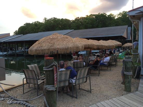 Waller's Bar & Grill: Outdoor seating
