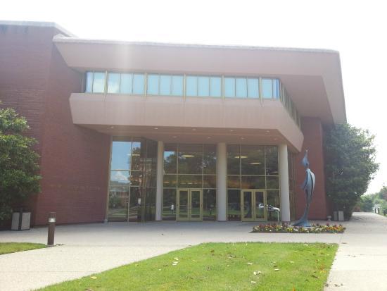 Centre College's Norton Center for the Arts: Entrance