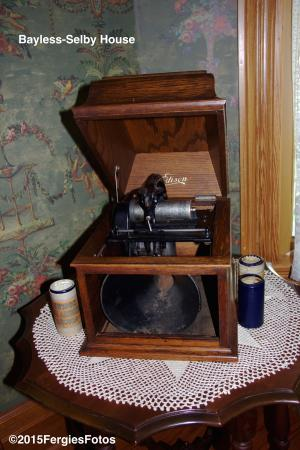 Bayless-Selby House Museum: Pre-phonograph music