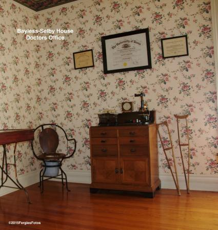 Bayless-Selby House Museum: Doctors Office