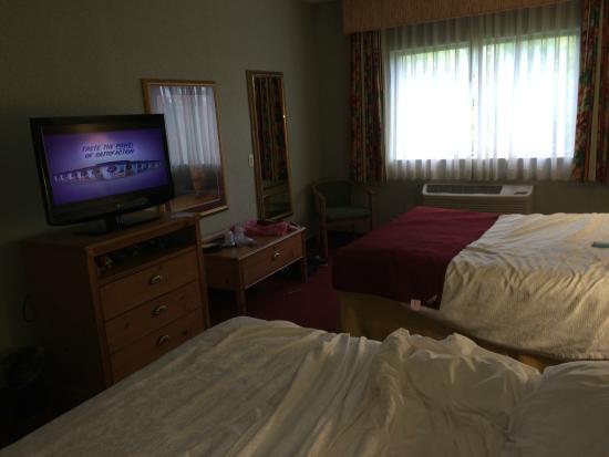 Best Western Plus Sebastian Hotel & Suites: Room with 2 queens #2