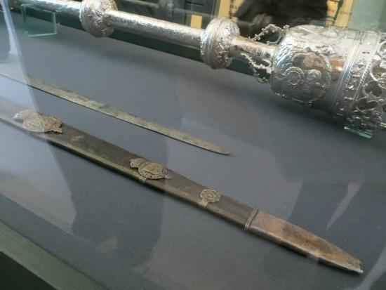 Highlanes Gallery: Sword and mace
