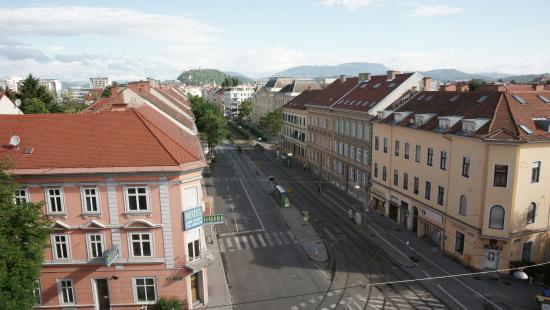 BEST WESTERN PLUS Amedia Hotel Graz: View from terrace