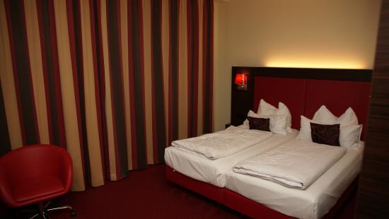 BEST WESTERN PLUS Amedia Hotel Graz: Hotel room