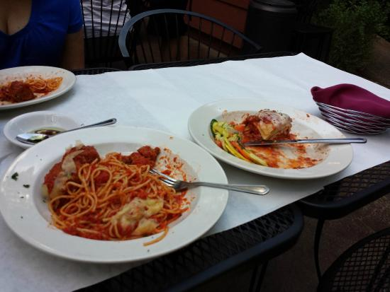 Sarafina's Italian Kitchen: Another wonderful meal.....Nonne's Spaghetti con Polpettes and Lasagna