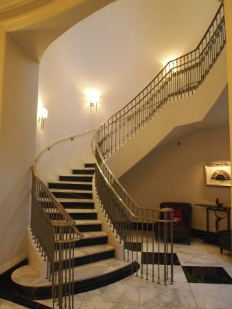 Attractive Mandarin Oriental, Atlanta: Spiral Staircase