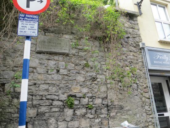 Drogheda, Irlanda: Walls by gate