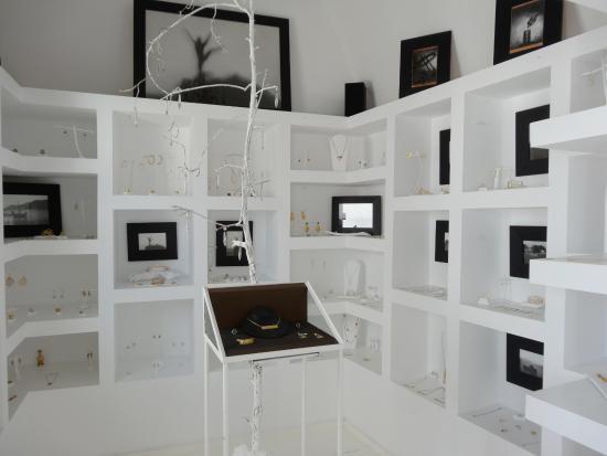 Mnemossyne Gallery : Inside the gallery