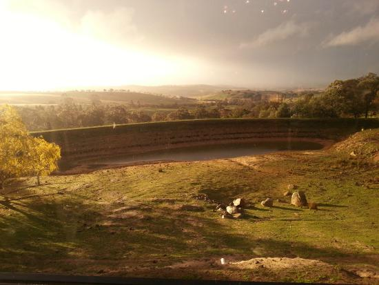Macedon Ranges, Australien: View from inside dining area