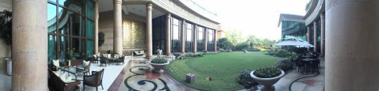 The Leela Palace New Delhi : Breakfest view