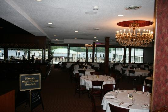 Giovanna's on the Lake: dining area