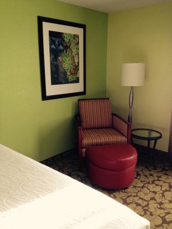 Hilton Garden Inn Minneapolis Eagan: Corner chair