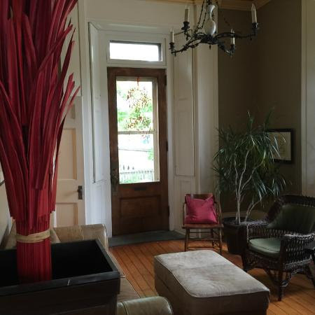 Frontenac Club Inn: Another Great Lounge