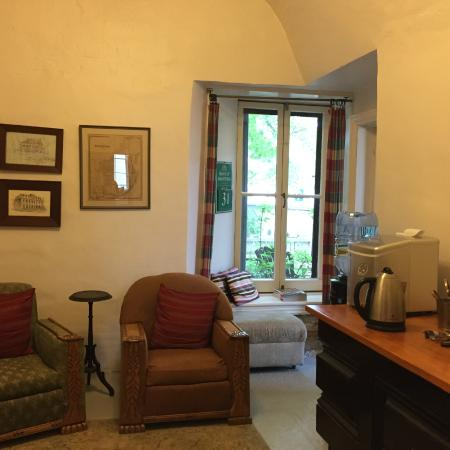Frontenac Club Inn: Third Lounge