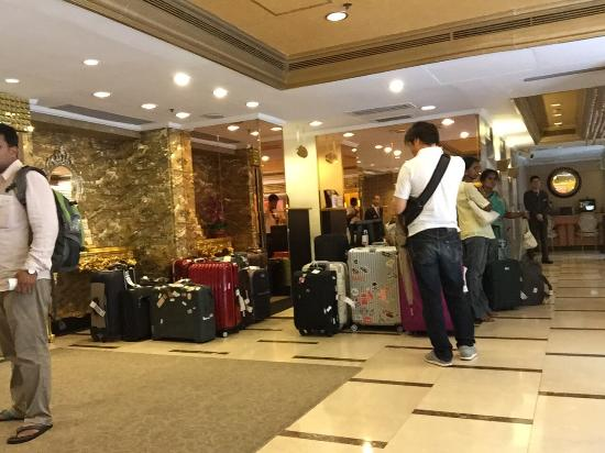 Ramanda Hotel Speciap Area to store left luggage for few hours or ...