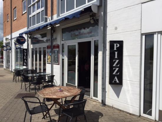 Sason Pizza & Kebabhouse: Udenfor